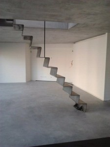 Escalier Design tôle pliée