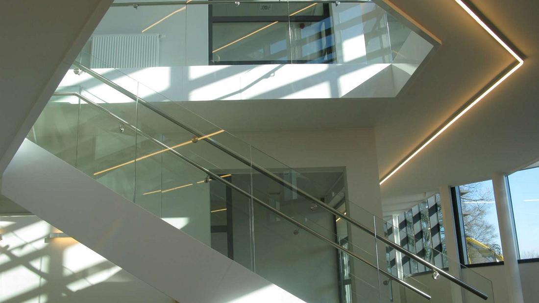 Escalier et garde corps en verre