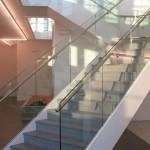 Escalier verre et pierre