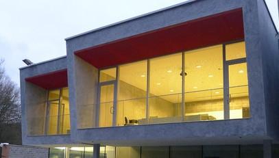 Garde corps en verre de la caserne de Theux (Atelier d'architecture Galand)